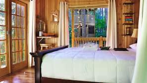 1 bedroom, desk, WiFi, bed sheets