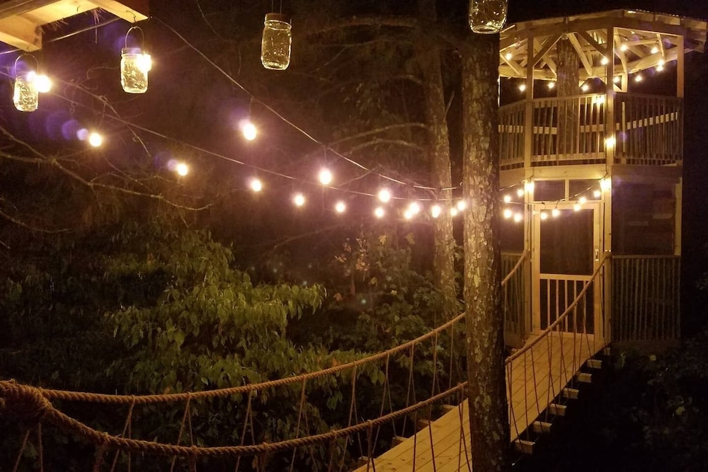 , Treasure Hunt Treehouse in Metro Atlanta