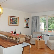Nice Apartment for 3 Guests With Wifi, Pool, TV, Balcony, Pets Allowed and Parking