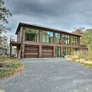 Modern Glass Home w/ Mtn Views By The Gunks!