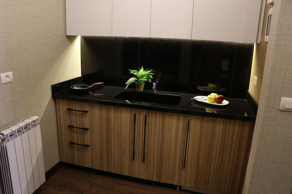 Private Kitchenette, Planet Suites