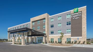 Holiday Inn Express And Suites West Omaha - Elkhorn, an IHG Hotel