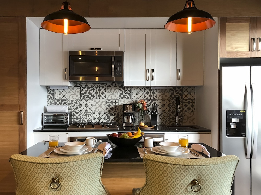 Private Kitchen, Pinnacle Resorts 179
