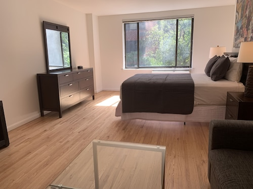 Lenox Hill Apartments 30 Day Rentals