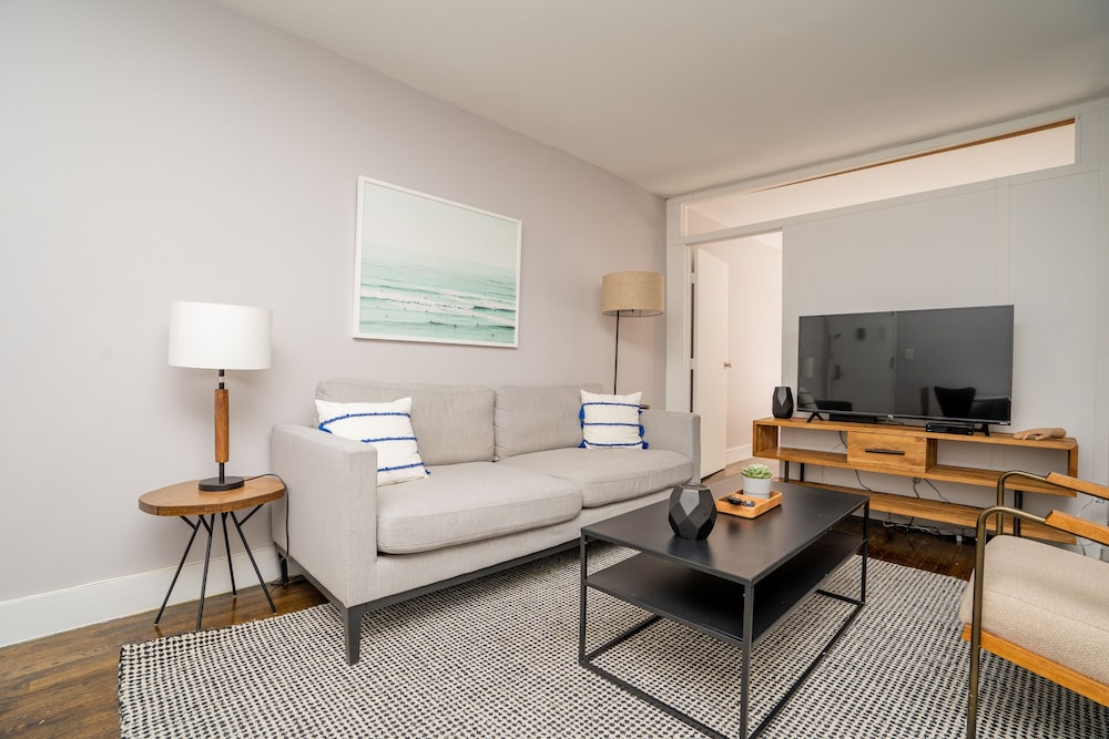 Living Room, Chelsea Waterside Apartments 30 Day