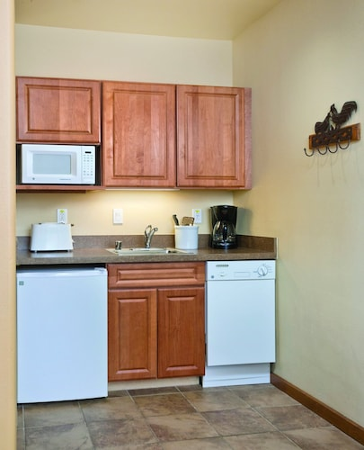 Private Kitchen, Take the Enchanted Circle Tour !
