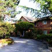 Galiano Oceanfront Inn & Spa