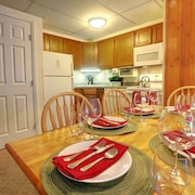 MG 3E01 - Mt Green 2BR/2BA Suite: Awesome Ski Getaway!