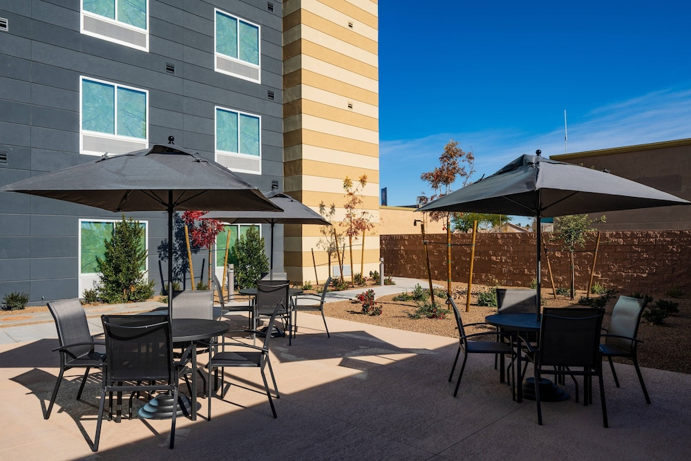 Balcony, Fairfield Inn & Suites by Marriott Las Vegas Northwest
