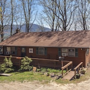 Mountain Hideaway At 4,000 - Hot Tub & Deck! 3 Bedroom Home
