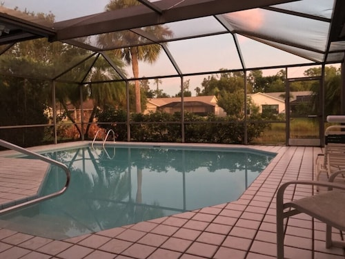 Seasonal & Vacation Rental in Brookshire Village-convenient Fort Myers Location!