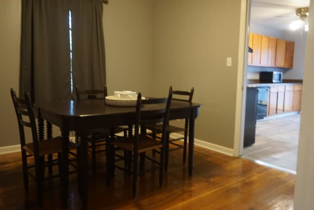 Private Kitchen, Cozy Apartment Near Research Park