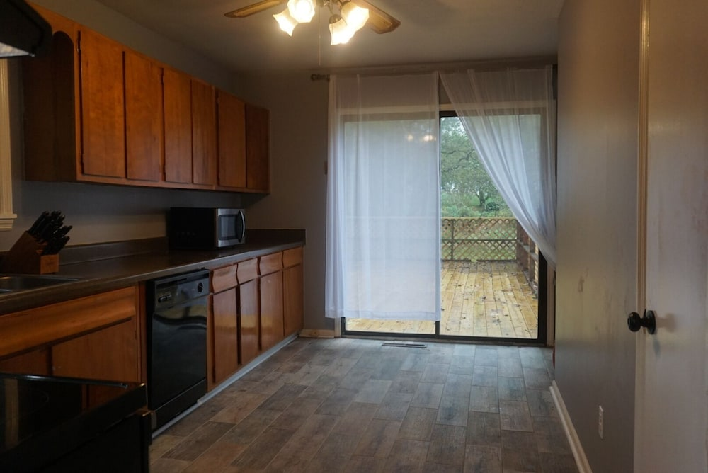 Room, Cozy Apartment Near Research Park
