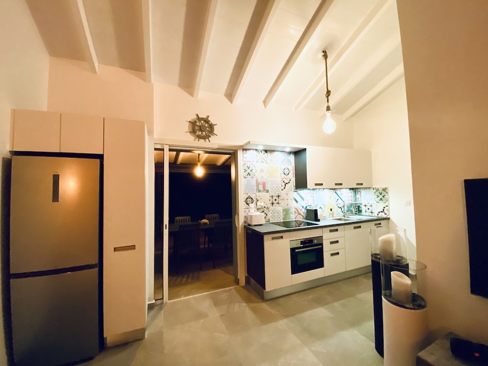 Private Kitchen, Villa Corail Blanc 4 , a Dream View at Domaine Bonheur Indigo!