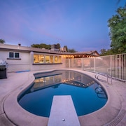 ? Amazing 4 Bedroom Home With A Pool Shopping