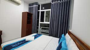Minibar, desk, iron/ironing board, free WiFi