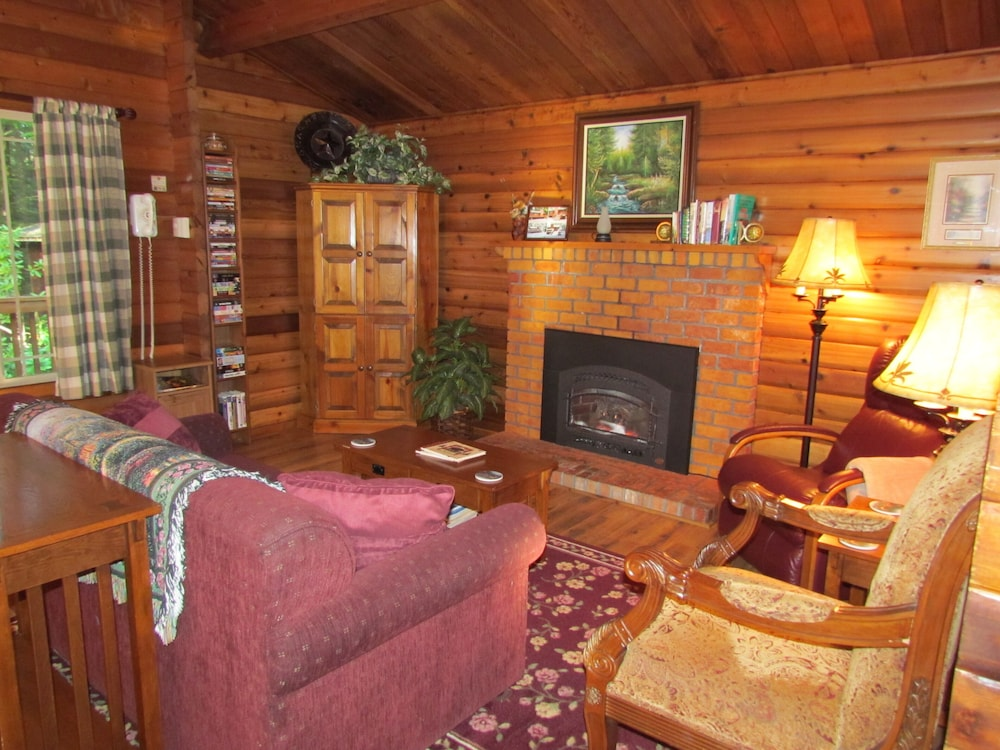 Living Room, Log Cabin on 6 Beautiful Acres
