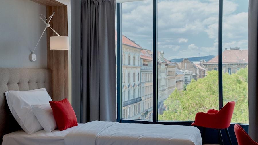 Up Hotel Budapest