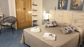 In-room safe, blackout drapes, linens