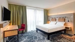 Zimmersafe, Verdunkelungsvorhänge, schallisolierte Zimmer
