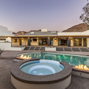 Luxury Retreat - Camelback Mountan Views, Theater, Sauna, Heated Pool, Spa
