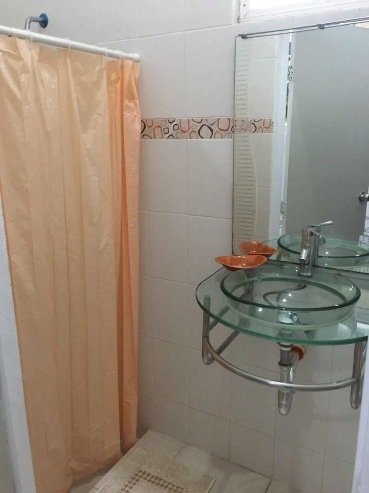 Bathroom, Bakab Hostel & Equestrian Amenities