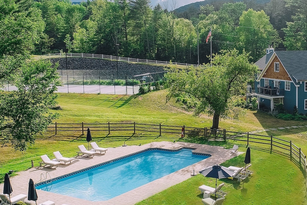 Outdoor Pool, Shandaken Inn