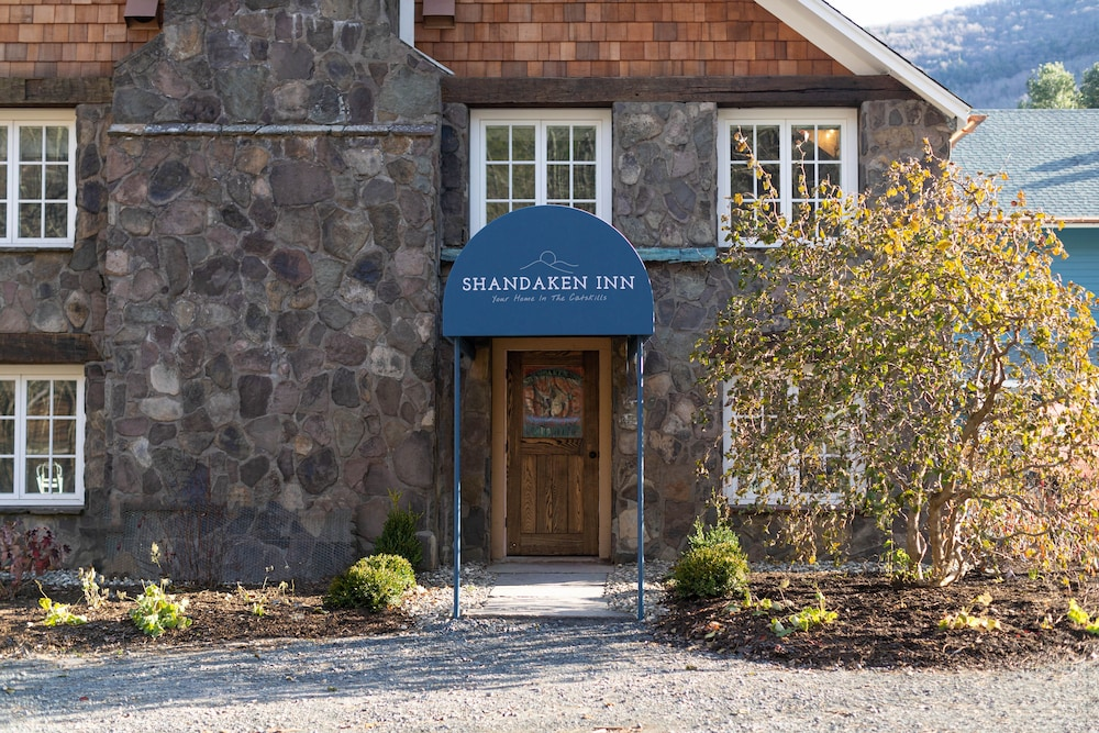 Property Entrance, Shandaken Inn