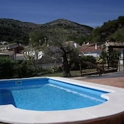 Villa With 4 Bedrooms in Frailes, With Wonderful Mountain View, Private Pool, Enclosed Garden
