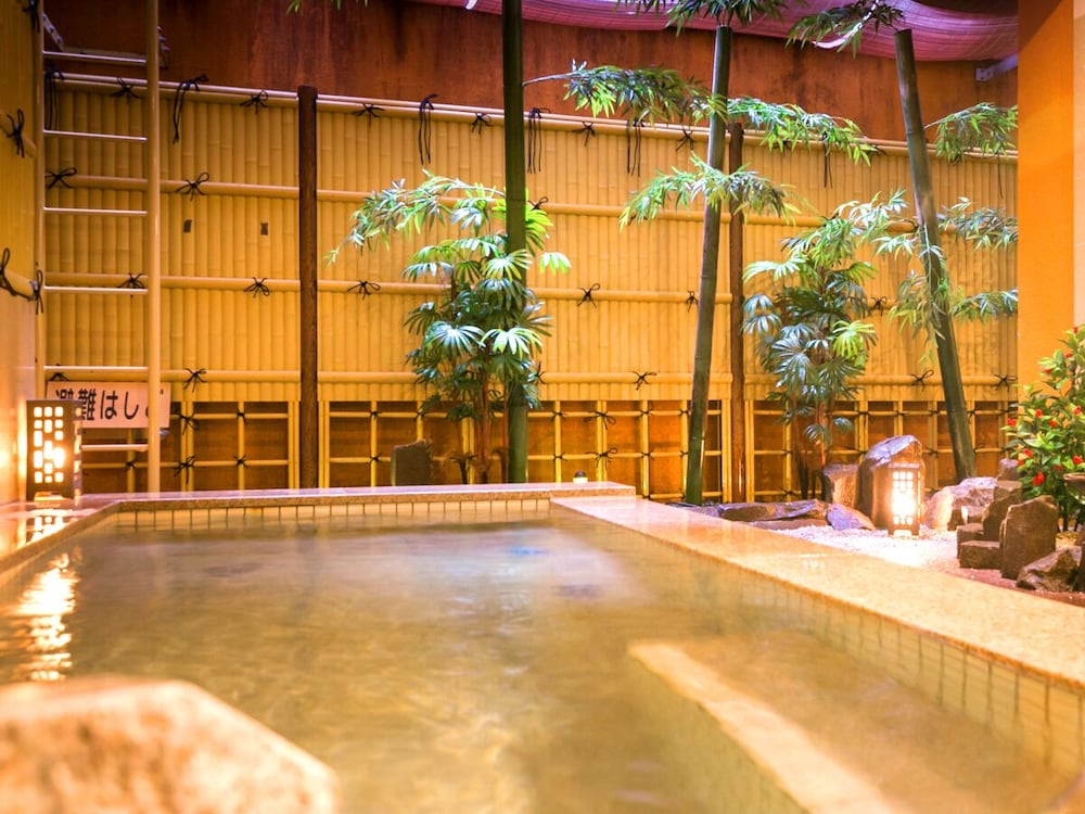 Hot Springs, Dogo Grand Hotel