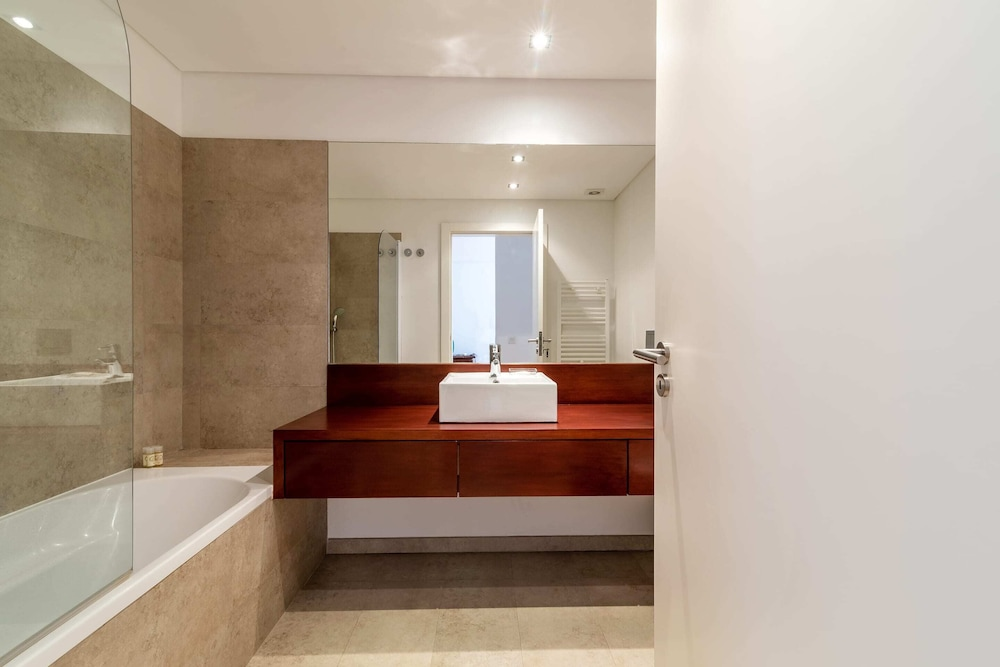 Bathroom, Gorgeous Apartment in Alges With Stunning Rooftop Pool