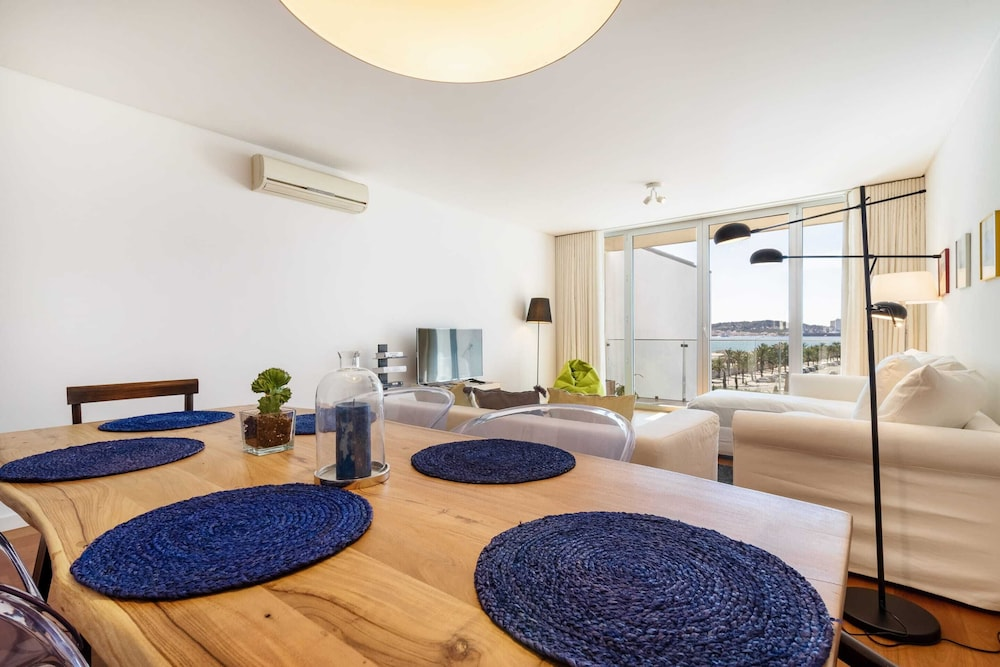 Living Room, Gorgeous Apartment in Alges With Stunning Rooftop Pool