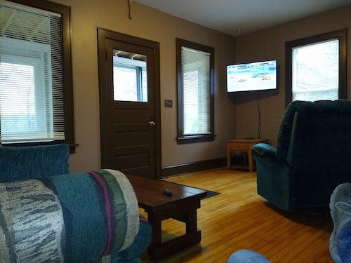 Escanaba River,3 Bedroom Home's