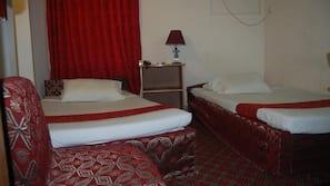 Down duvet, pillow top beds, desk, soundproofing