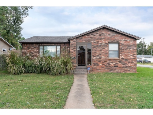 Beautiful Brick Home 5 Mins From Downtown!