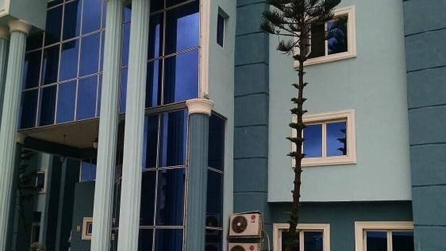 De Boss Deluxe Hotel