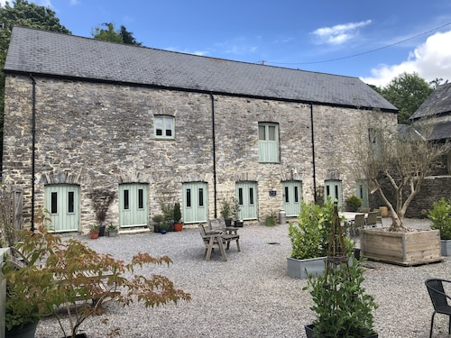 Four Bedroom Stone Barn Conversion Near Dartmoor and Devon Beaches