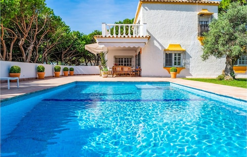 6 Bedroom Accommodation in Marbella
