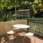 Country House With Views in Lovely Quiet Valley Near Wine Village of Gigondas