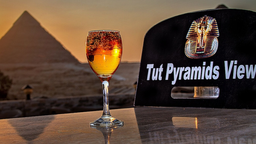 Tut Pyramids View Hotel