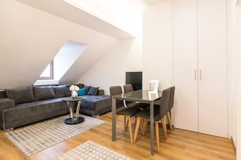 Design Loft in the Old Town Zagreb- Free Parking