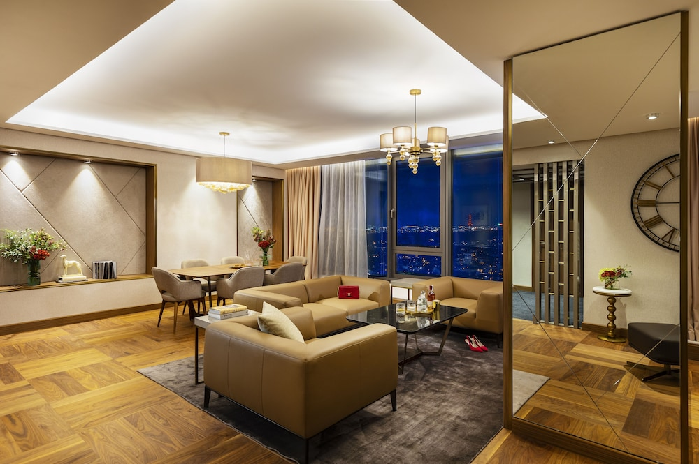 Living Area, Grand Hotel Millennium Sofia
