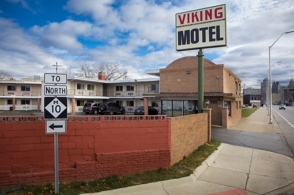 Exterior, Viking Motel