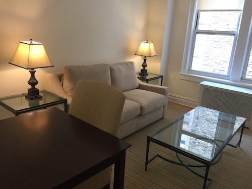 Upper Westside Suit Apartment