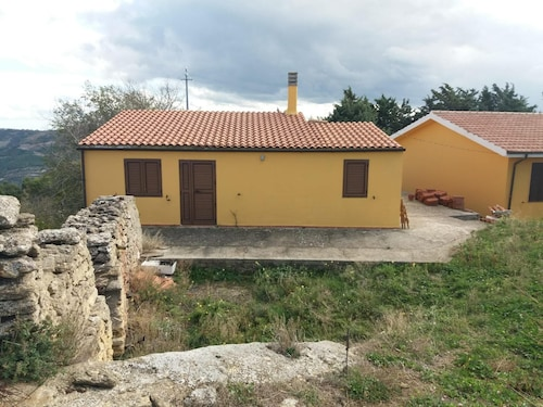 House With 2 Bedrooms in Acerenza, With Wonderful Mountain View and Furnished Garden