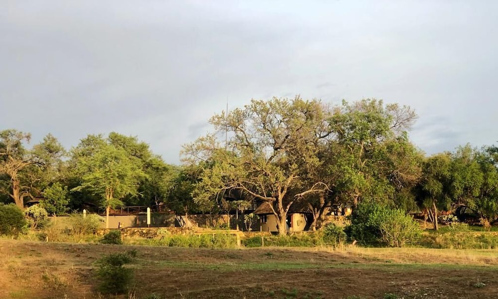 Exterior, Emhosheni River Lodge