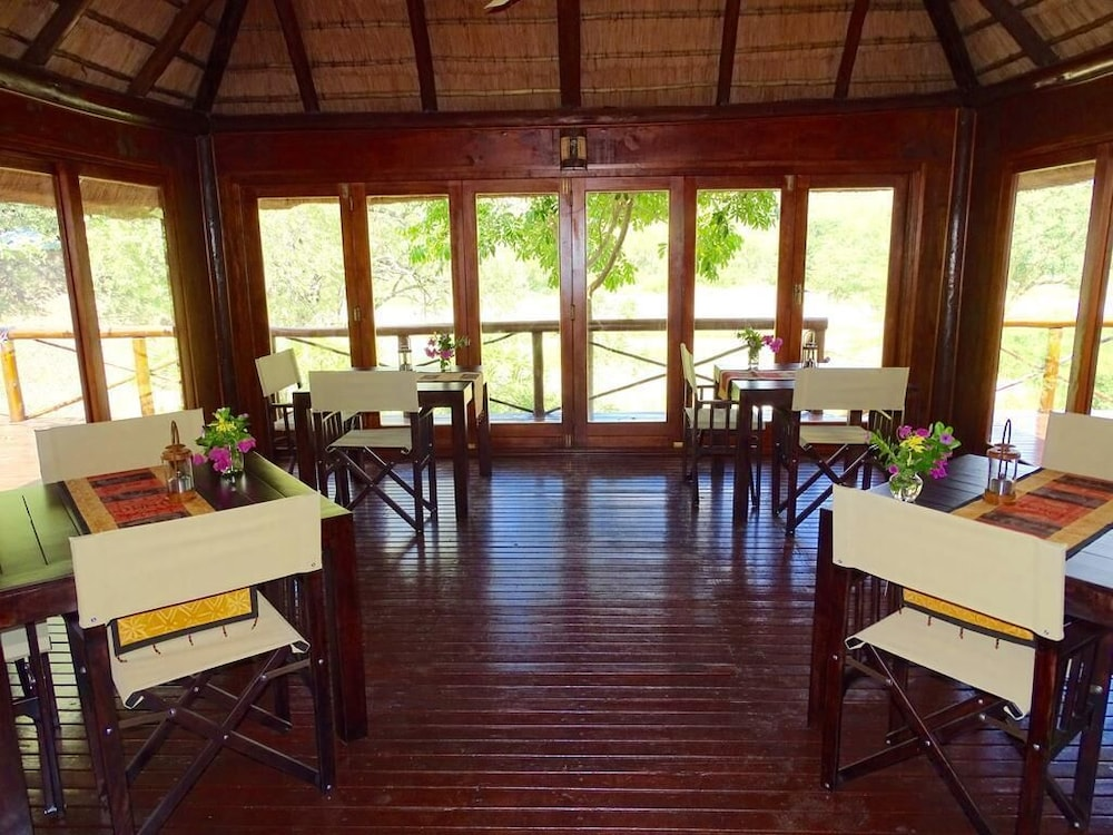 Breakfast Area, Emhosheni River Lodge