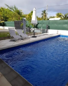 Villa With 2 Bedrooms in Albion, With Private Pool, Enclosed Garden and Wifi - 300 m From the Beach