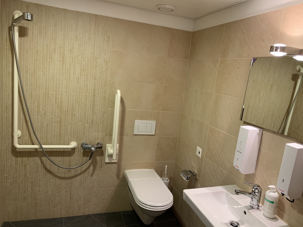 Bathroom, Modern and noble accommodation for solo travelers, families and business people!