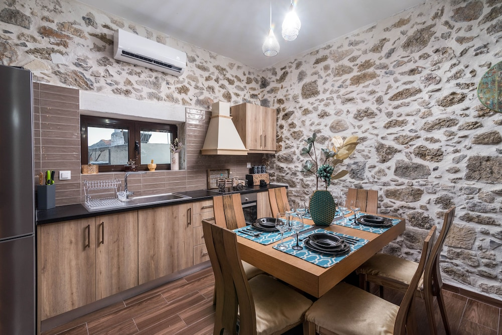 Private Kitchen, Zaros Villa Fountarinis